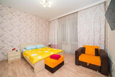 Сдается 3-комнатная квартира посуточно, улица Братьев Кашириных 8а.
