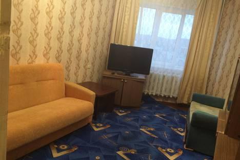 Сдается 2-комнатная квартира посуточно в Североморске, Улица Флотских строителей дом 5.