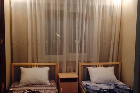 Сдается 3-комнатная квартира посуточно в Ачинске, микрорайон 3, дом 13.