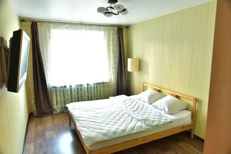 Сдается 2-комнатная квартира посуточно в Кирове, Производственная улица, 5 корпус 1.