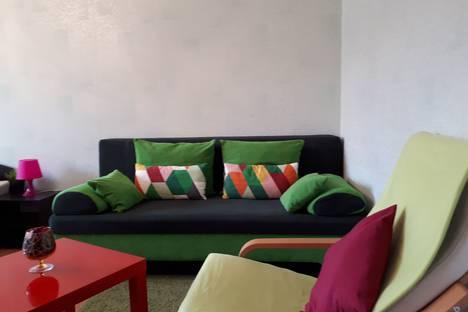 Сдается 1-комнатная квартира посуточно в Омске, улица Маяковского, 20.