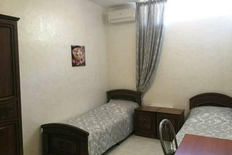Сдается 1-комнатная квартира посуточнов Красной Поляне, Новогорная 6.