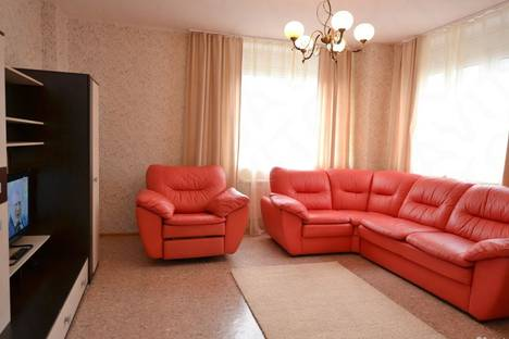 Сдается 2-комнатная квартира посуточнов Ленинске-Кузнецком, Юбилейная улица, 5.