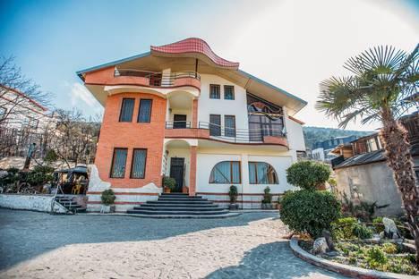 Сдается коттедж посуточно в Тбилиси, Georgia,52a Tamar Chovelidze Street.
