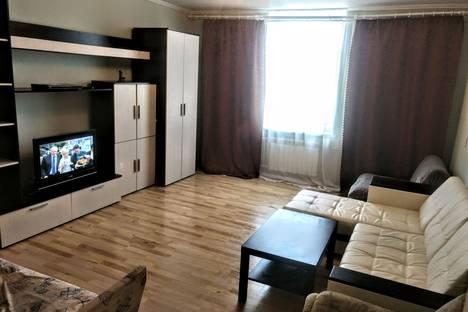 Сдается 2-комнатная квартира посуточно в Нижнем Тагиле, проспект Мира, 21.