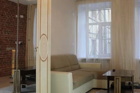 Сдается комната посуточнов Пушкине, улица Марата, 76.
