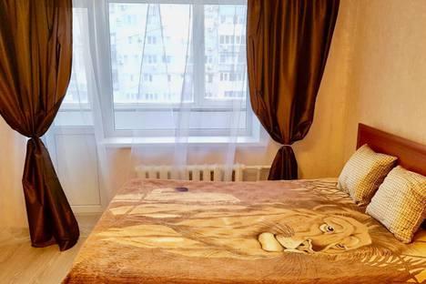 Сдается 1-комнатная квартира посуточно в Волгограде, улица Невская, 8.
