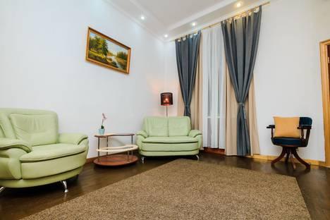 Сдается 4-комнатная квартира посуточно в Москве, Арбат 51 стр 1.