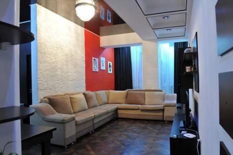 Сдается 2-комнатная квартира посуточно, 82/3 проспект Мира.