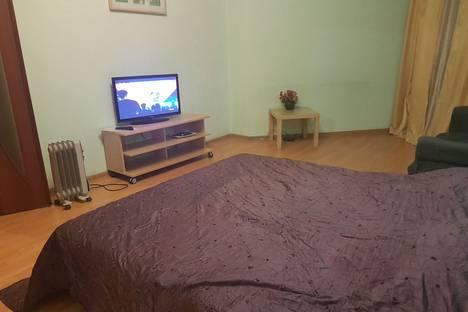 Сдается 1-комнатная квартира посуточнов Екатеринбурге, ул. Бажова, 68.