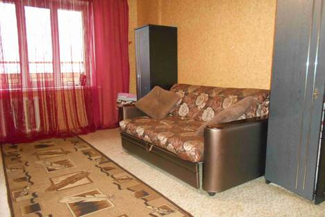 Сдается 1-комнатная квартира посуточнов Сызрани, улица Ватутина, 154.
