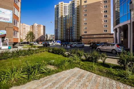 Сдается 1-комнатная квартира посуточно в Тюмени, ул. Ямская, 90.
