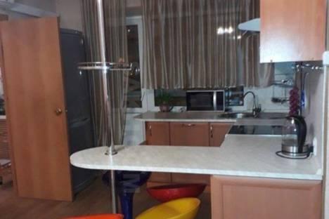 Сдается 3-комнатная квартира посуточно в Южно-Сахалинске, пр. Мира 163.