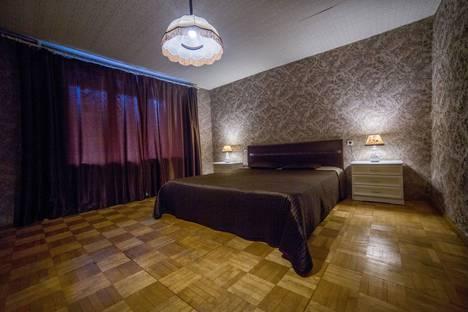 Сдается 2-комнатная квартира посуточно в Смоленске, улица Черняховского, 14А.