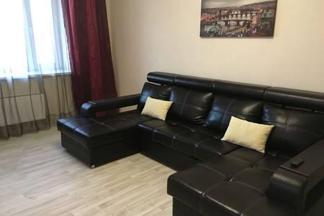 Сдается 2-комнатная квартира посуточнов Казани, улица Маршала Чуйкова, 62.