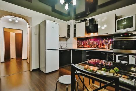 Сдается 1-комнатная квартира посуточно в Тольятти, улица Офицерская, 5.