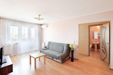 Сдается 2-комнатная квартира посуточно, проспект 100-Летия Владивостокy, 66.