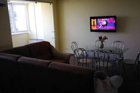 Сдается 3-комнатная квартира посуточно в Евпатории, Интернациональная улица, 47.