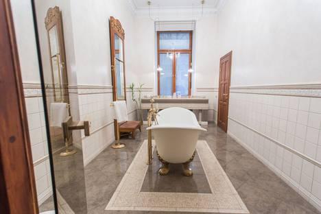 Сдается 2-комнатная квартира посуточно в Санкт-Петербурге, Английская набережная, 20.
