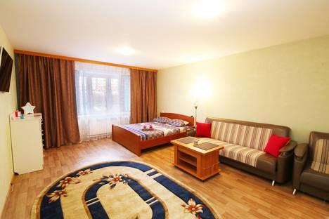 Сдается 2-комнатная квартира посуточно в Красноярске, улица Чернышевского, 73.