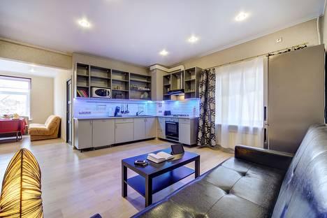 Сдается 3-комнатная квартира посуточнов Санкт-Петербурге, Мучной переулок, 3.