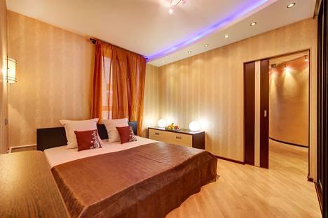Сдается 2-комнатная квартира посуточнов Санкт-Петербурге, 4-я Советская улица.