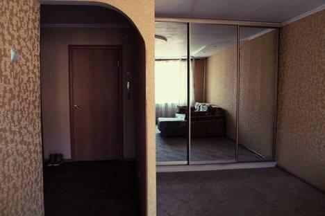 Сдается 1-комнатная квартира посуточно в Омске, проспект Карла Маркса, 54.