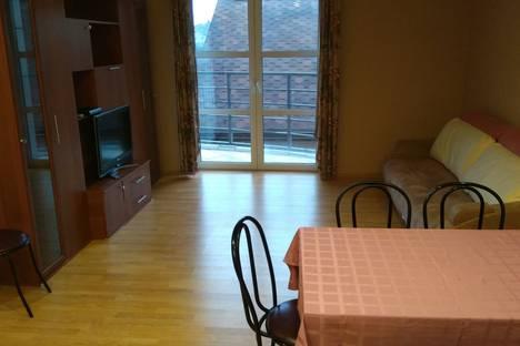 Сдается 3-комнатная квартира посуточно, 2-я Мякининская улица, 19а.
