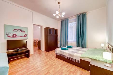 Сдается 1-комнатная квартира посуточнов Санкт-Петербурге, улица Победы, 21.