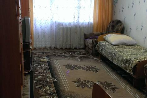 Сдается 2-комнатная квартира посуточнов Юрюзань, улица Ильи Тараканова, 17.