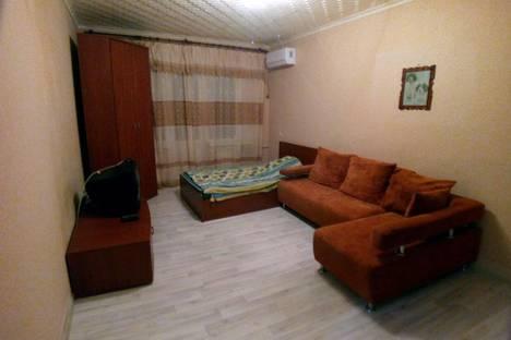 Сдается 2-комнатная квартира посуточно в Новокуйбышевске, улица Репина 9 а.