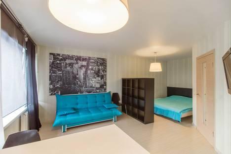Сдается 1-комнатная квартира посуточнов Екатеринбурге, улица Челюскинцев, 25.