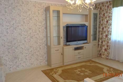 Сдается 1-комнатная квартира посуточно, улица Курыжова, 32.