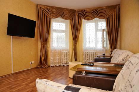 Сдается 3-комнатная квартира посуточно в Нижневартовске, улица Героев Самотлора, 19.