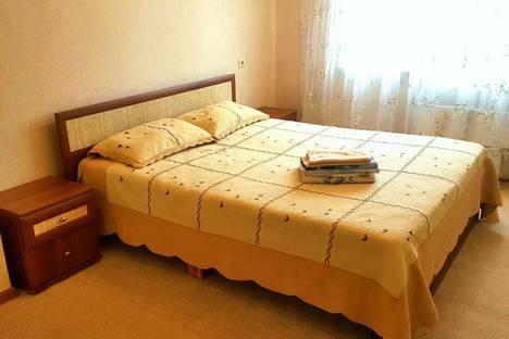 Сдается 2-комнатная квартира посуточно, улица Павловского, 15.