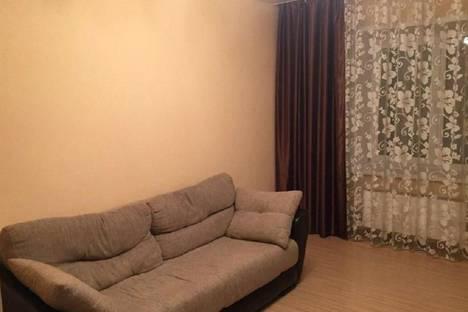 Сдается 2-комнатная квартира посуточнов Майкопе, улица Чкалова, 63.