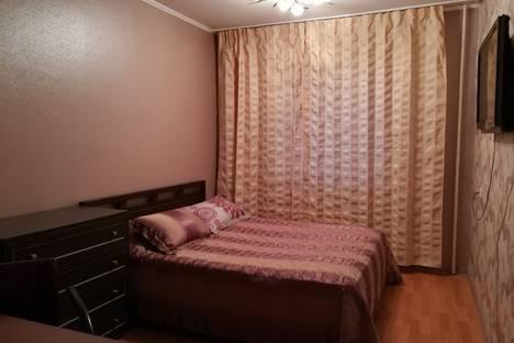 Сдается 2-комнатная квартира посуточно в Магнитогорске, проспект Ленина, 135.