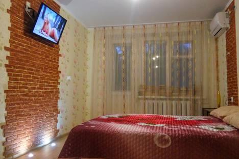 Сдается 2-комнатная квартира посуточно в Таганроге, улица Дзержинского, 189.