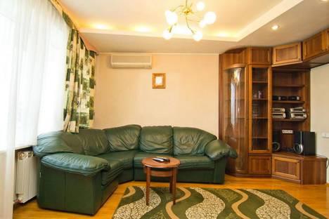 Сдается 4-комнатная квартира посуточно в Минске, улица Карла Маркса, 42.
