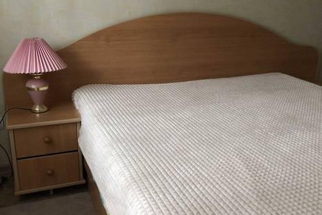 Сдается 2-комнатная квартира посуточно, Жилой массив Олимпийский, 10.