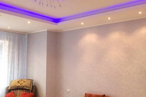 Сдается 1-комнатная квартира посуточно в Сургуте, проспект Ленина, 50.