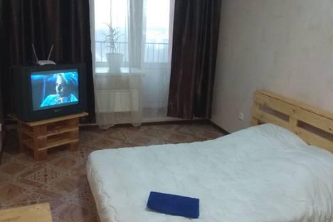 Сдается 1-комнатная квартира посуточно в Томске, улица Ивана Черных, 66.