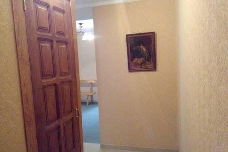 Сдается 3-комнатная квартира посуточно в Пицунде, ул Гочуа, 19.