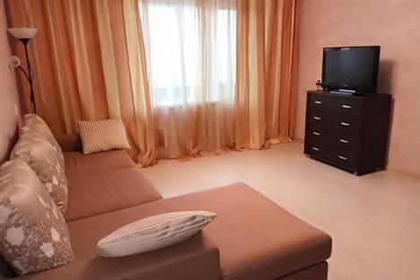 Сдается 2-комнатная квартира посуточнов Екатеринбурге, улица Буторина, 2.