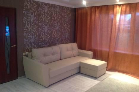 Сдается 1-комнатная квартира посуточнов Шахтах, улица Текстильная, 51.