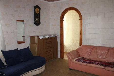 Сдается 2-комнатная квартира посуточно в Таганроге, ул Фрунзе, 5.