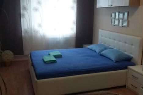 Сдается 1-комнатная квартира посуточно в Челябинске, улица Александра Шмакова, 29.