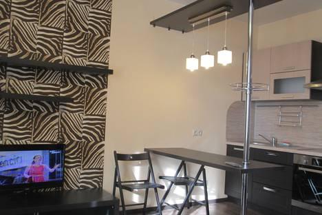 Сдается 2-комнатная квартира посуточнов Тюмени, улица Пермякова, 77.