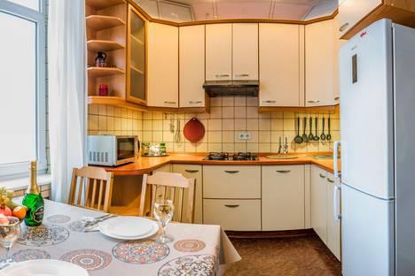 Сдается 1-комнатная квартира посуточно в Москве, Кутузовский проспект, 30.