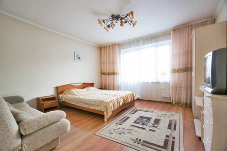 Сдается 1-комнатная квартира посуточно в Красноярске, улица Батурина, 5А.